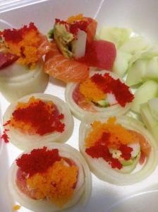 sashimi sushi roll