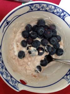 oatmeal with greek yogurt, peanut butter, and blueberries